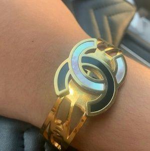New Chanel Big Logo Bracelet 💛💛💛💛💛💛💛💛💛💛
